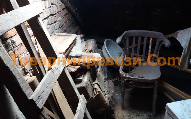 Почистване на мазета и тавани